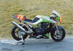 78-standing_(GPZ750R-Racer-1)